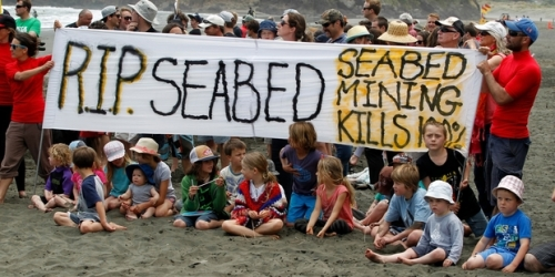 Protesters against seabed mining plans off the Taranaki/Wanganui coast